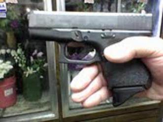 Need some info from anybody with a baby Glock-grip3.jpg