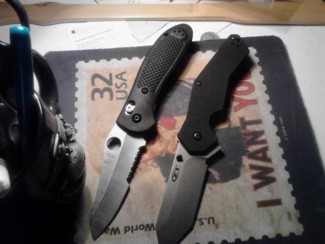 Pictures of some folders-griptillian-zt0700.jpg