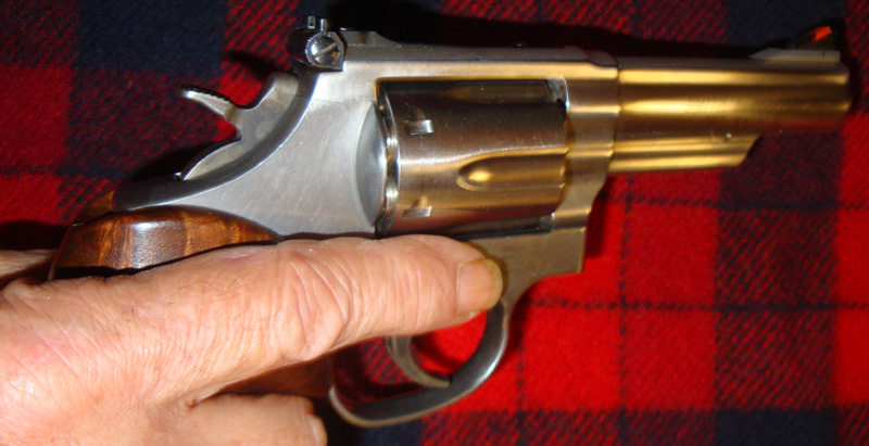 Safety - Holstering G27 in Supertuck-gun-indexing-002.jpg