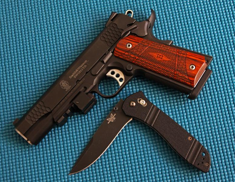 "The ""Official"" 1911 Thread-gun-knife.jpg"