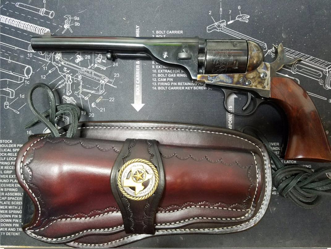 3.75'' Super Blackhawk-gun-out.jpg