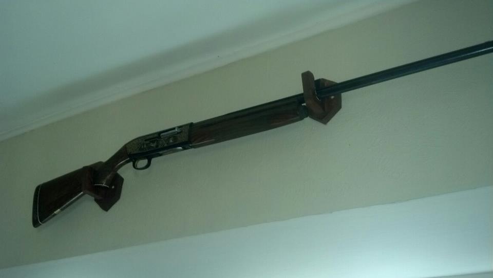 Homemade single gun rack