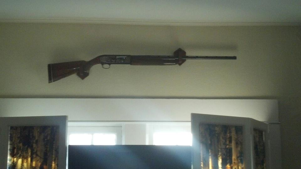 Homemade single gun rack-gun-rack-4.jpg