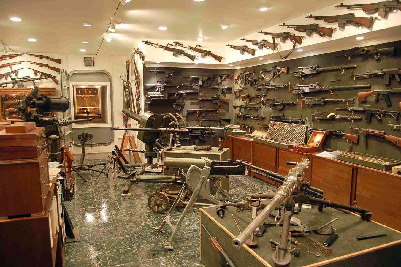 I wish my gun room looked like this!-gun-room1.jpg