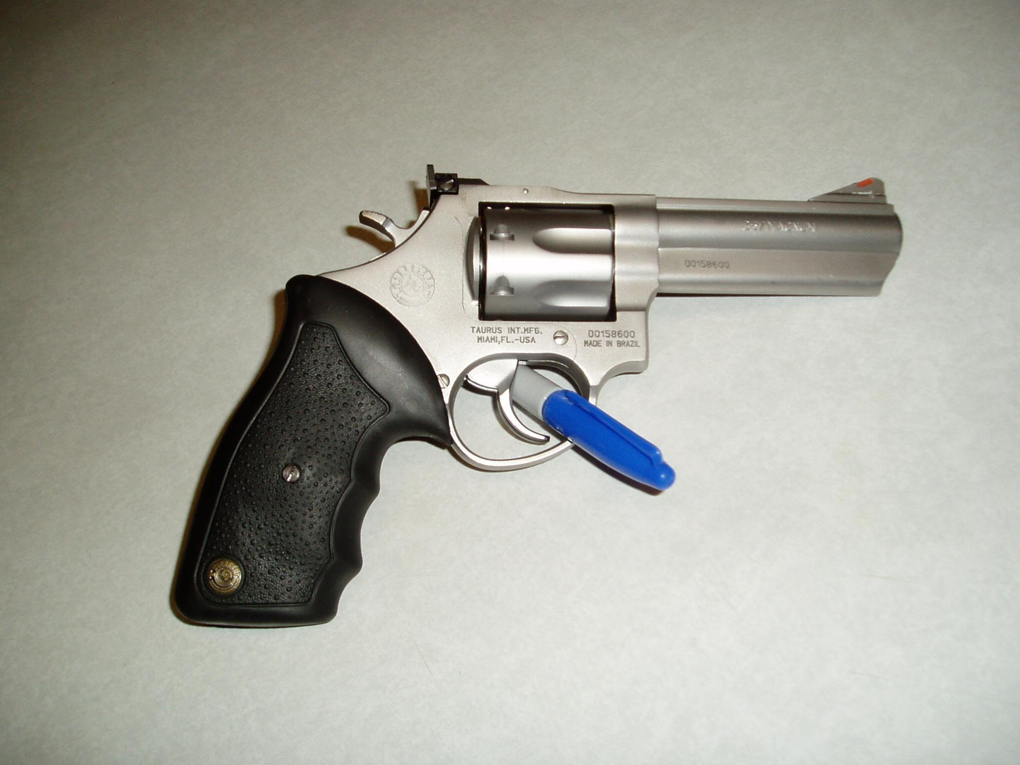 Taurus Model 66-guns-002.jpg