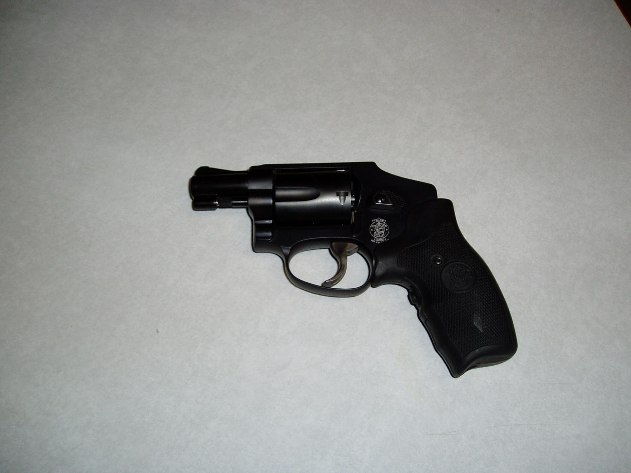 Woo hoo just got my first revolver! S&W 642.-guns-011.jpg