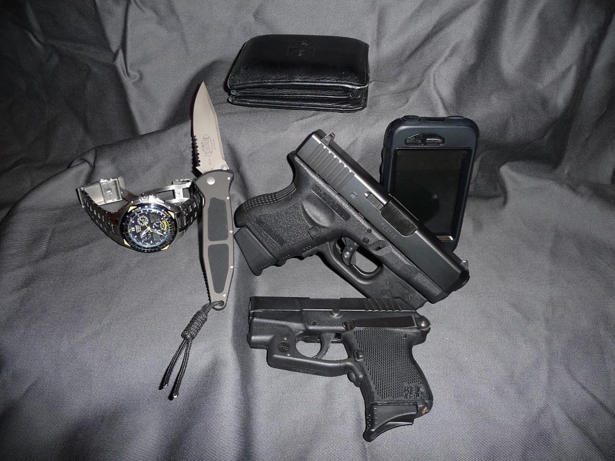 What do you carry?-guns-n-stuff-011_sm.jpg