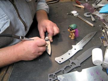 I need a fixed blade Zombie/SHTF American made knife-harsey1.jpg
