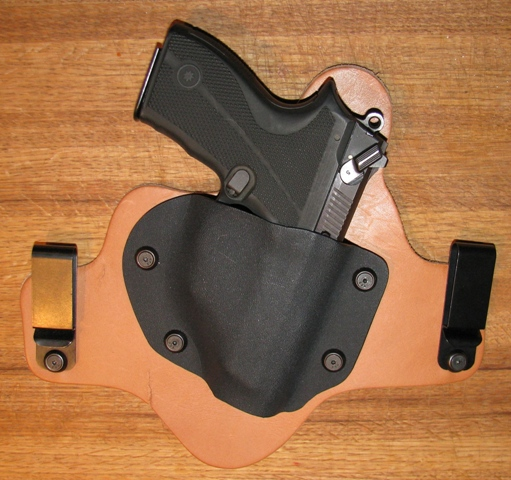 Another new hybrid holster maker ... with a twist-holstered-ultrastar.jpg