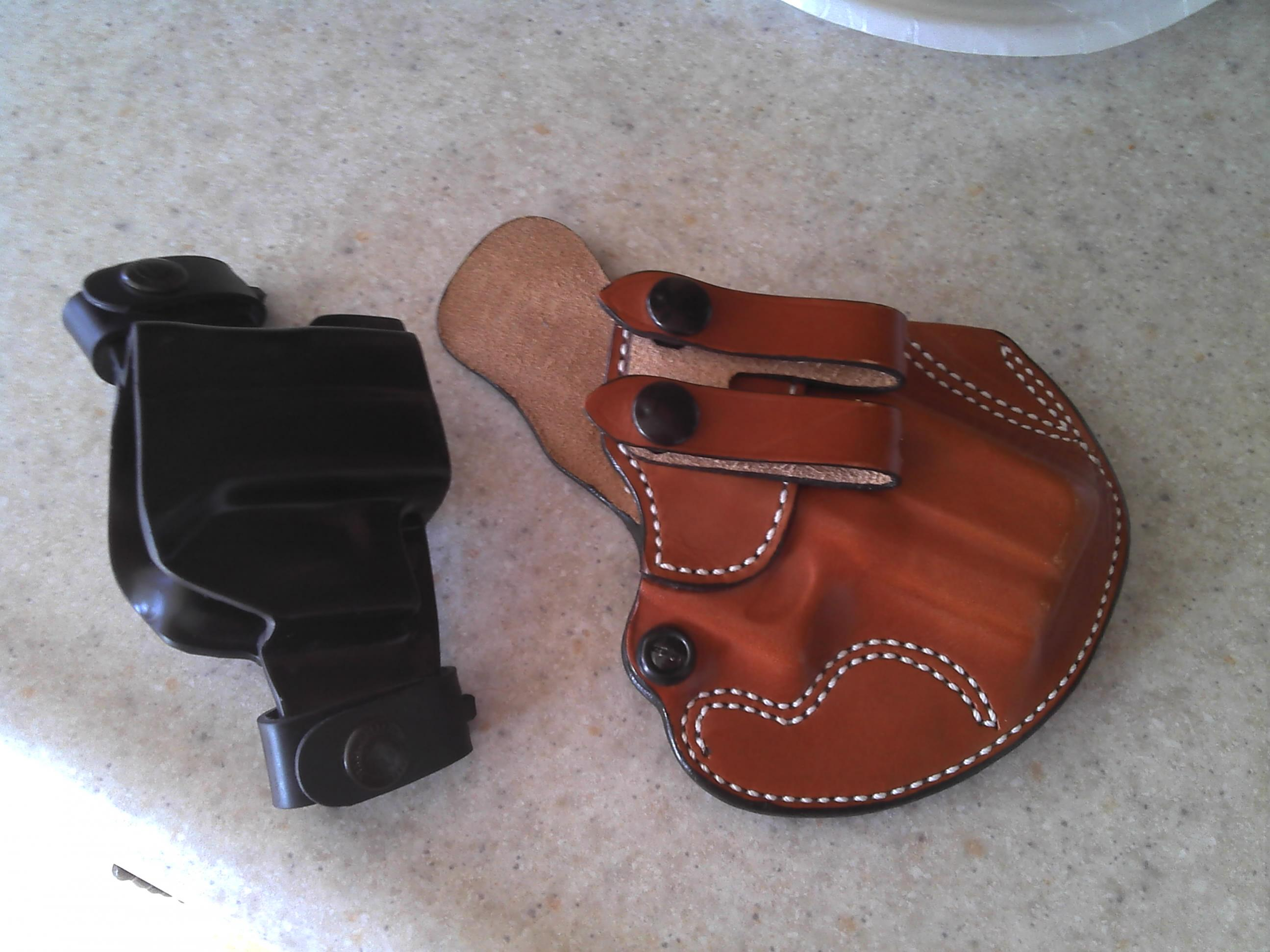 Two Holsters for Glock Pistols - Kentucky-holsters.jpg