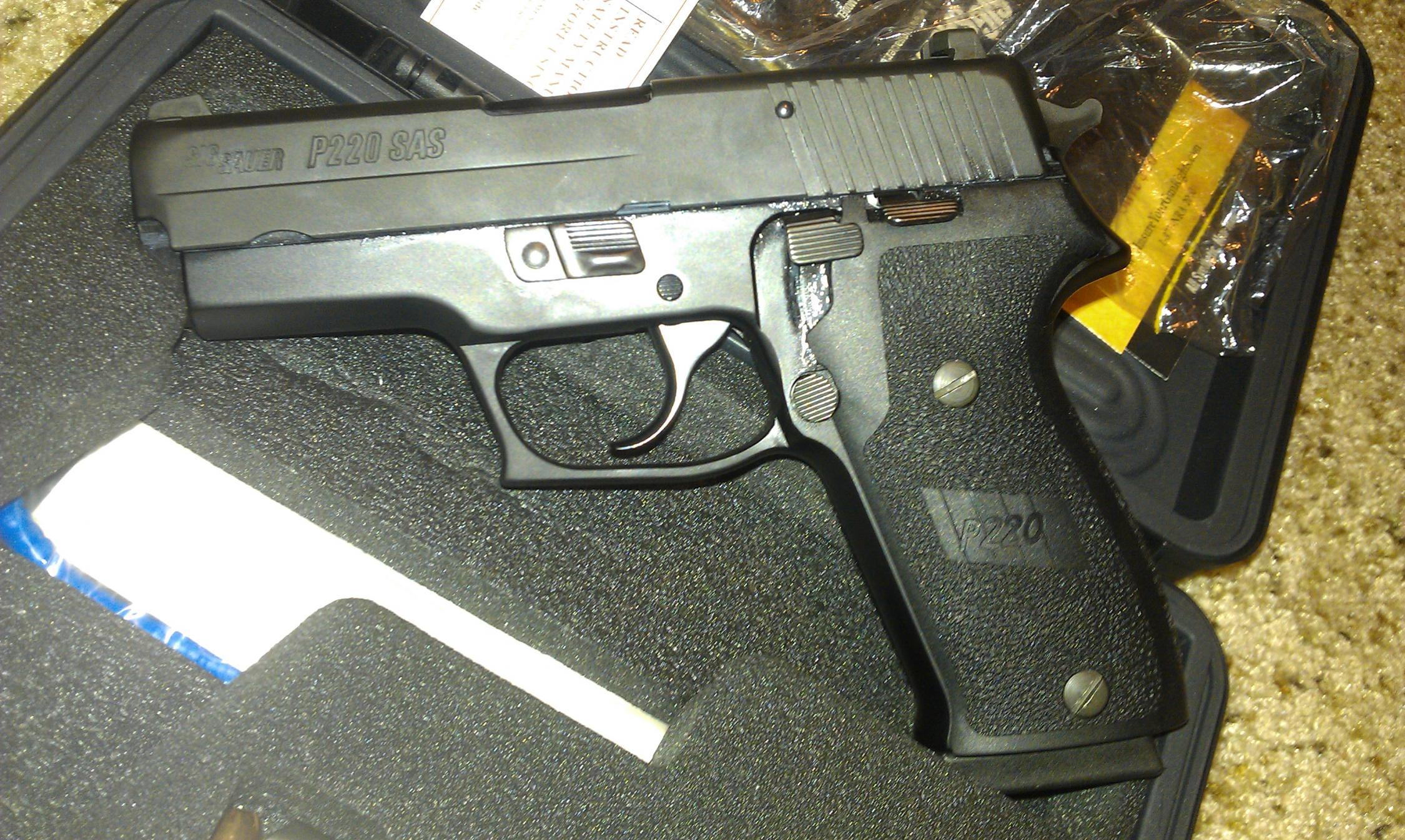 new Sig P220 Compact SAS-imag0274.jpg