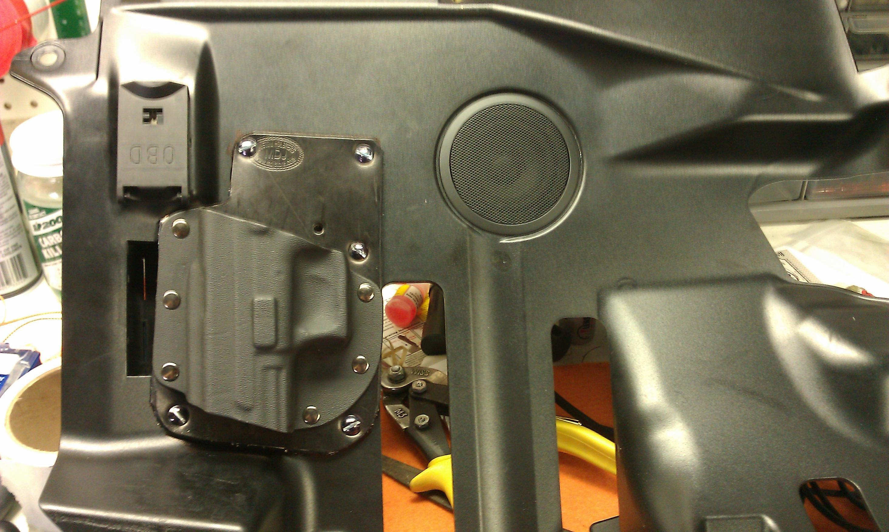 hidden pistol in car-imag0928.jpg