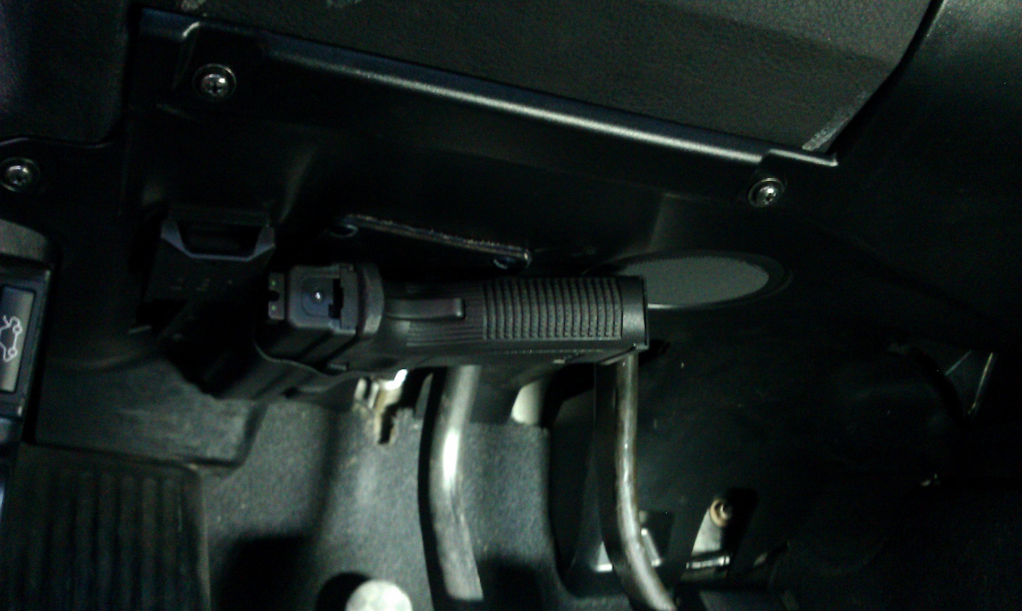 hidden pistol in car-imag0933.jpg