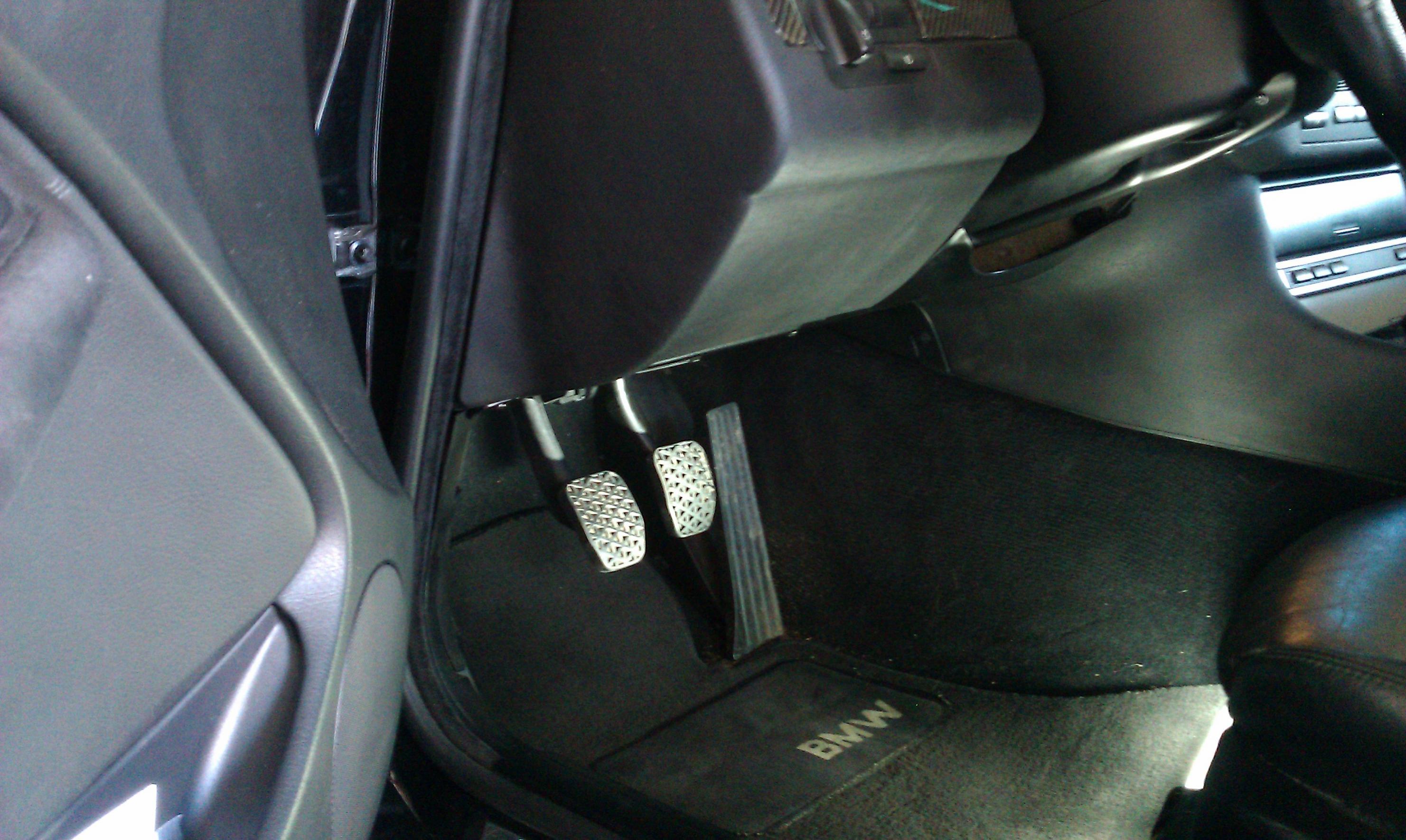 hidden pistol in car-imag0937.jpg