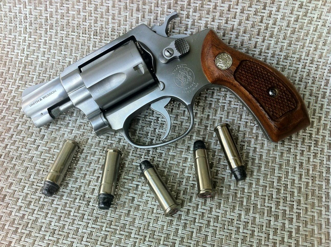 S&W Model 60