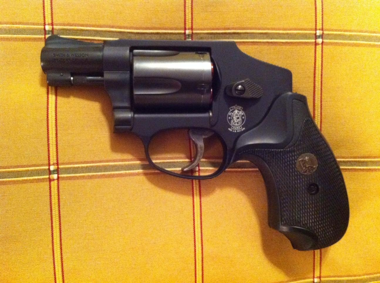 New Pachmayr Compac grips for 442-image.jpg
