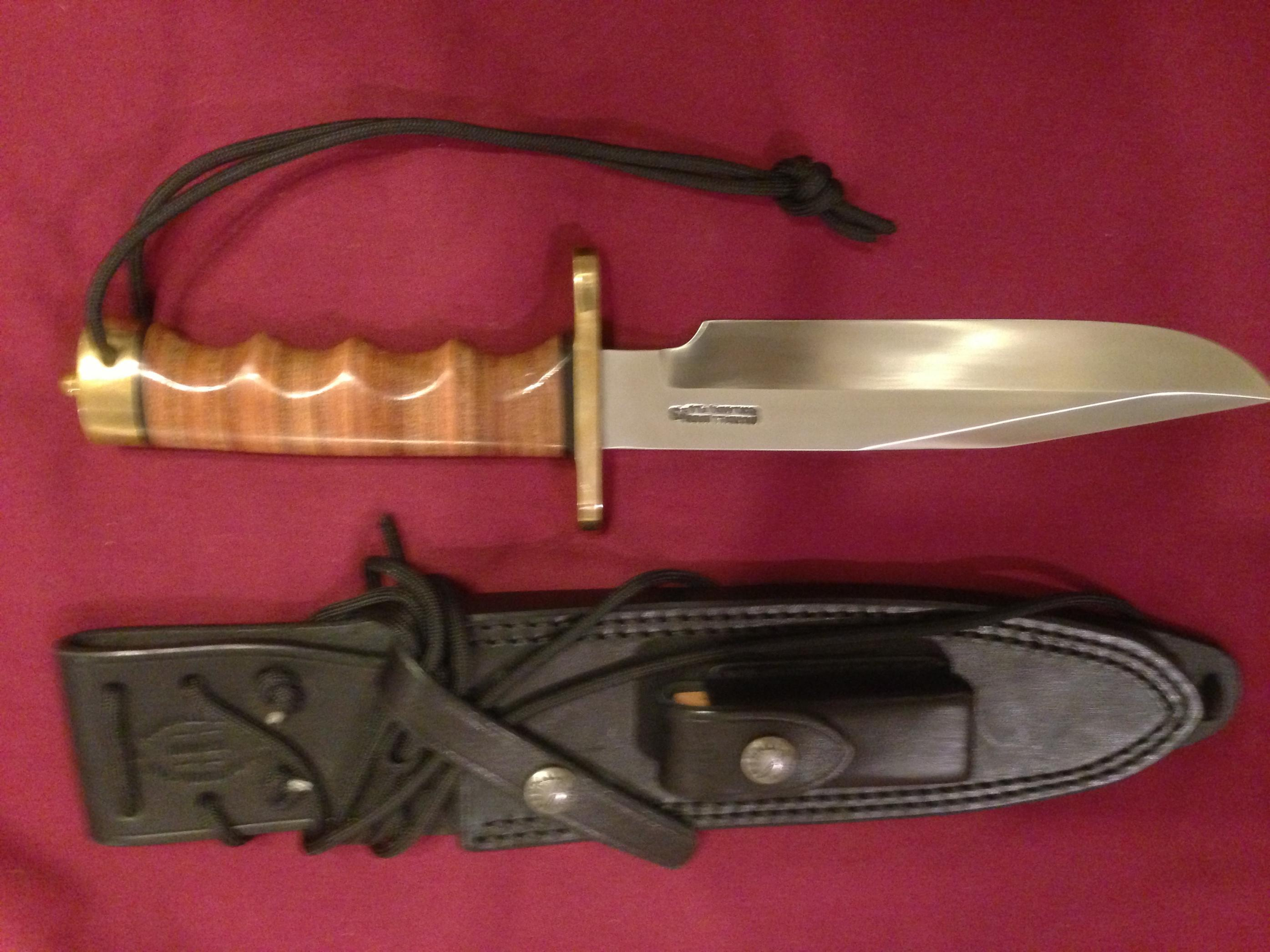 Best fighting knife-image.jpg