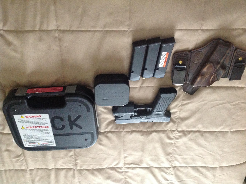 Glock 17 4th Gen like new + extras-image.jpg