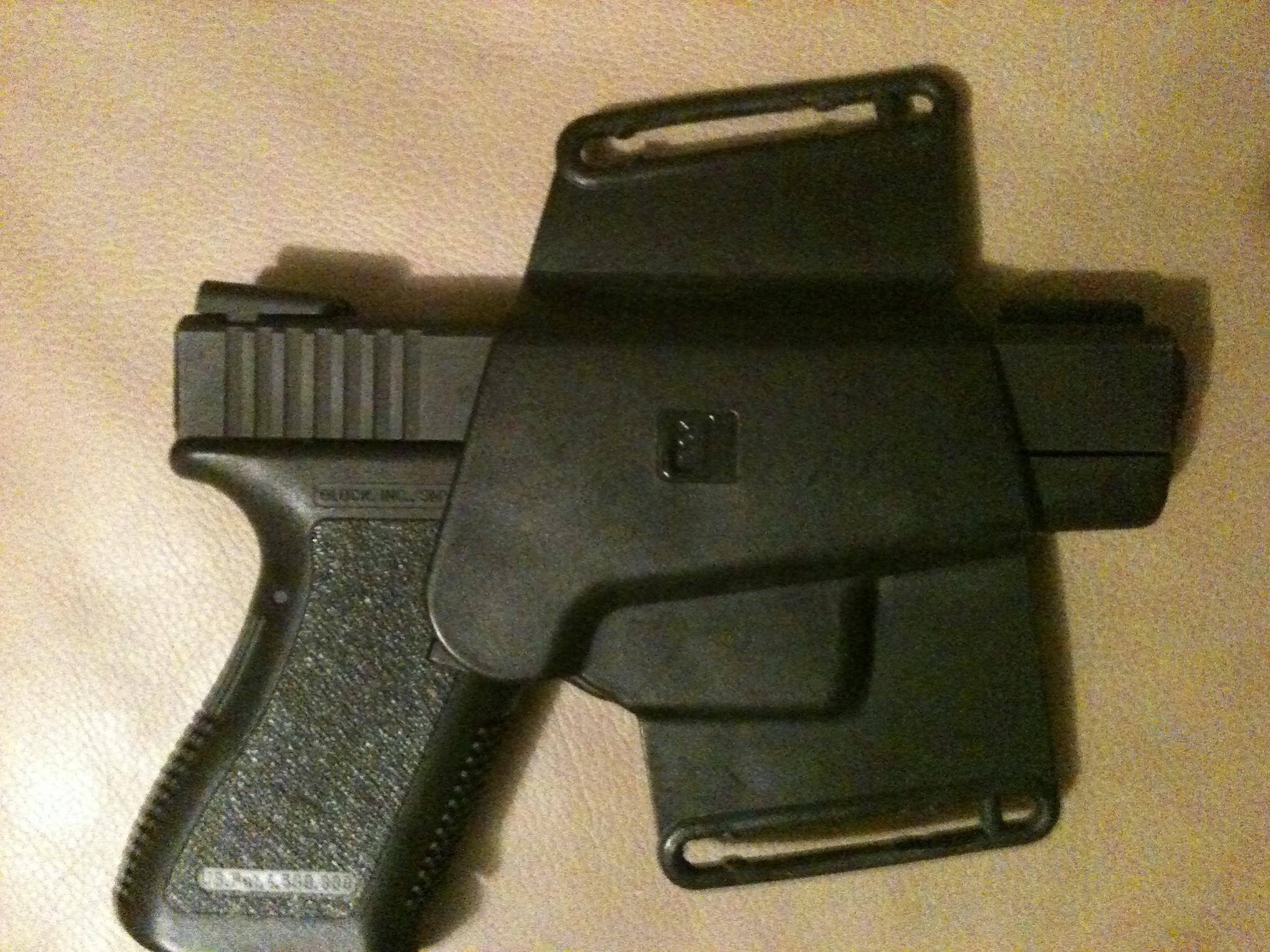 Packin' Plastic - Review and Pictures of Glock Holster from Front Line-image.jpg