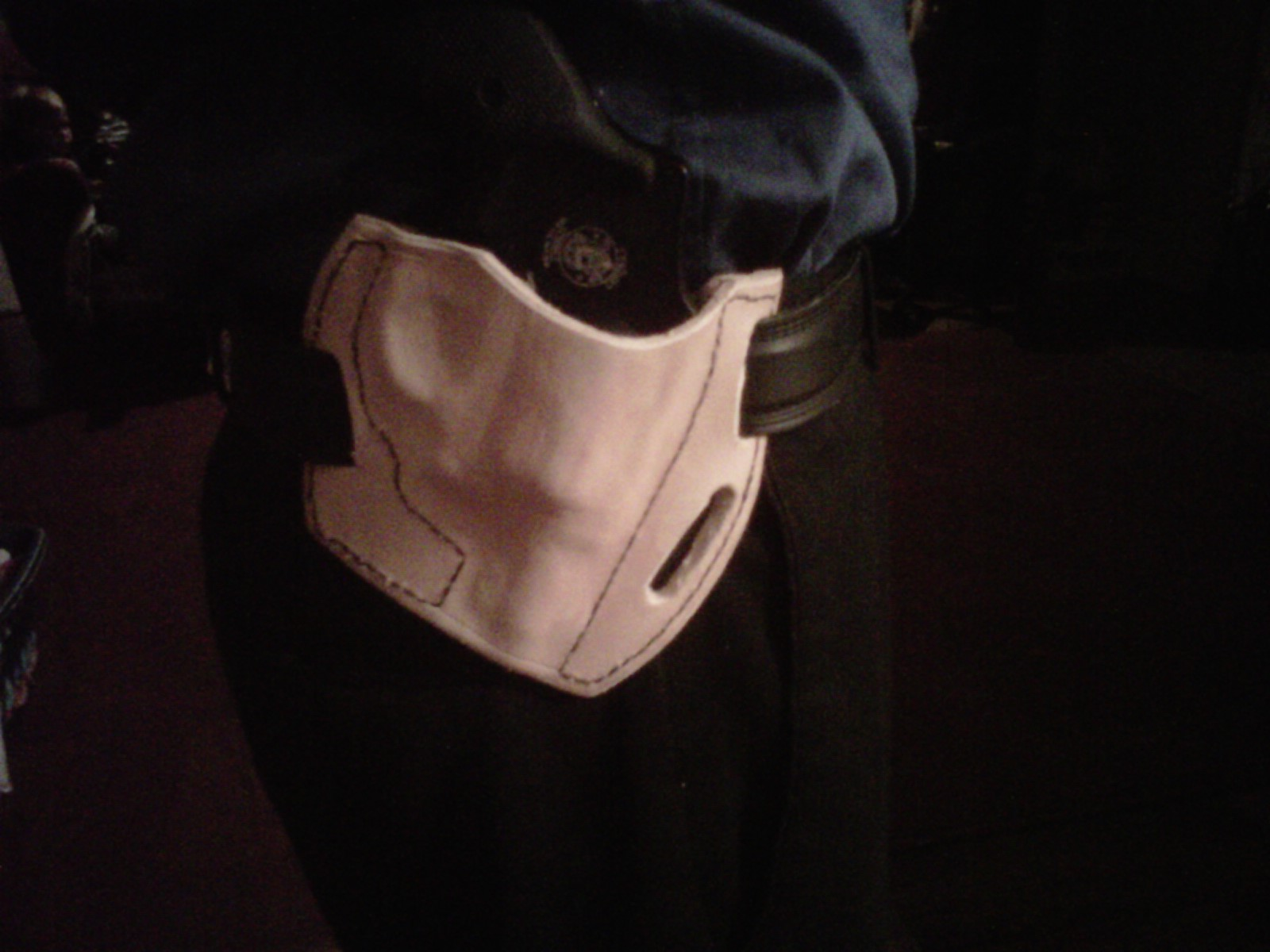 My foray into holster making-img00052-20110121-2043.jpg