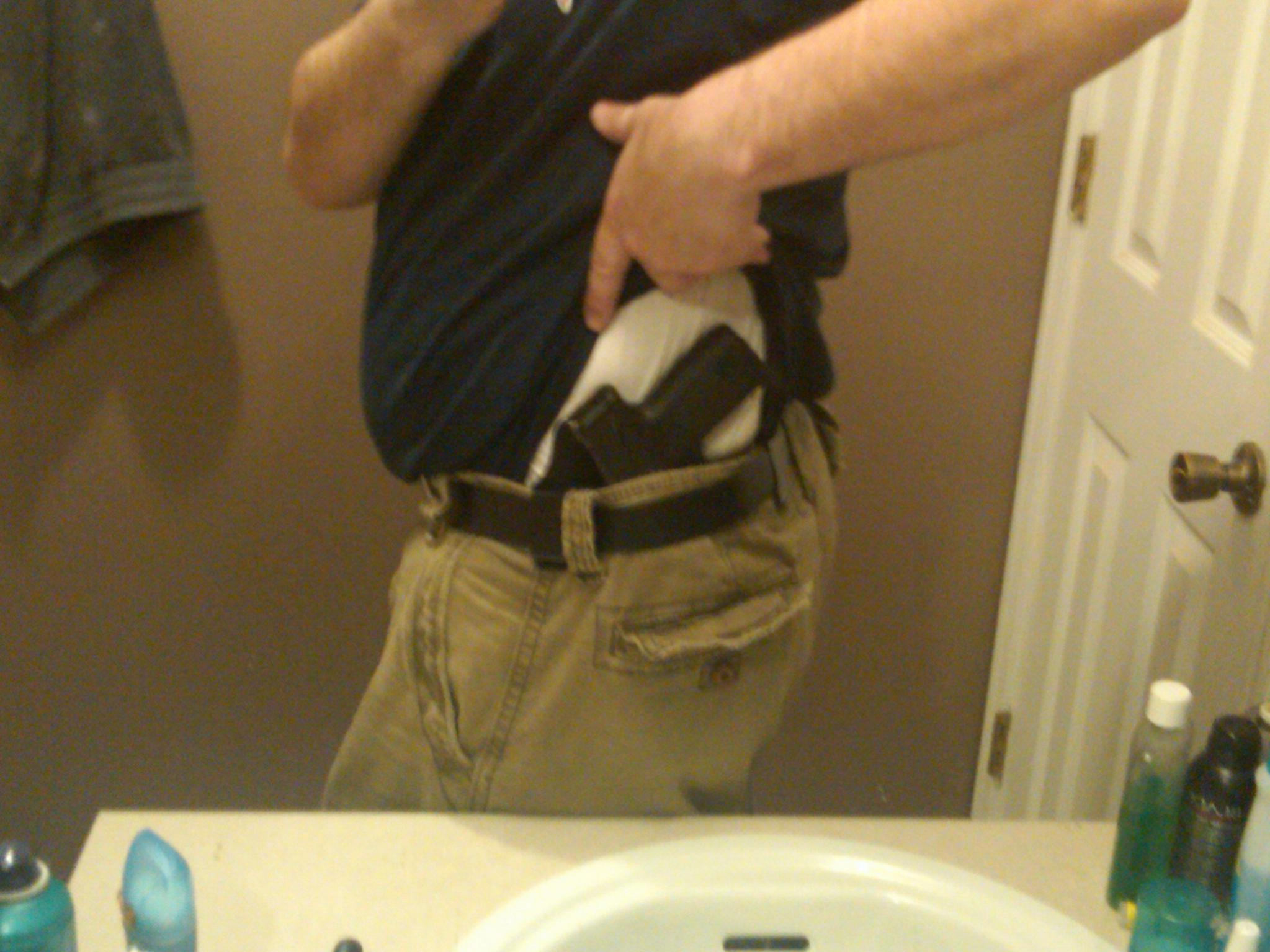 Tucked Holsters in Summer-img00060-20110317-1929.jpg
