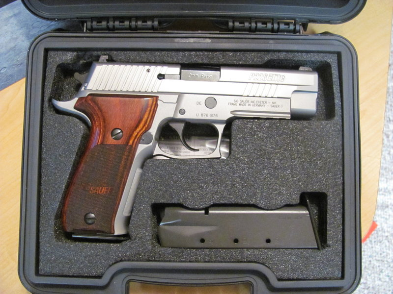 SIG 226 Stainless Elite (you guys are a bad influence)-img0007kp.jpg