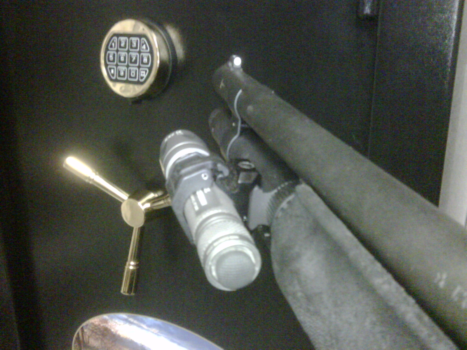 Easy way to attach a Fenix PD30 to a mossberg 500?-img00128-20100327-1010.jpg