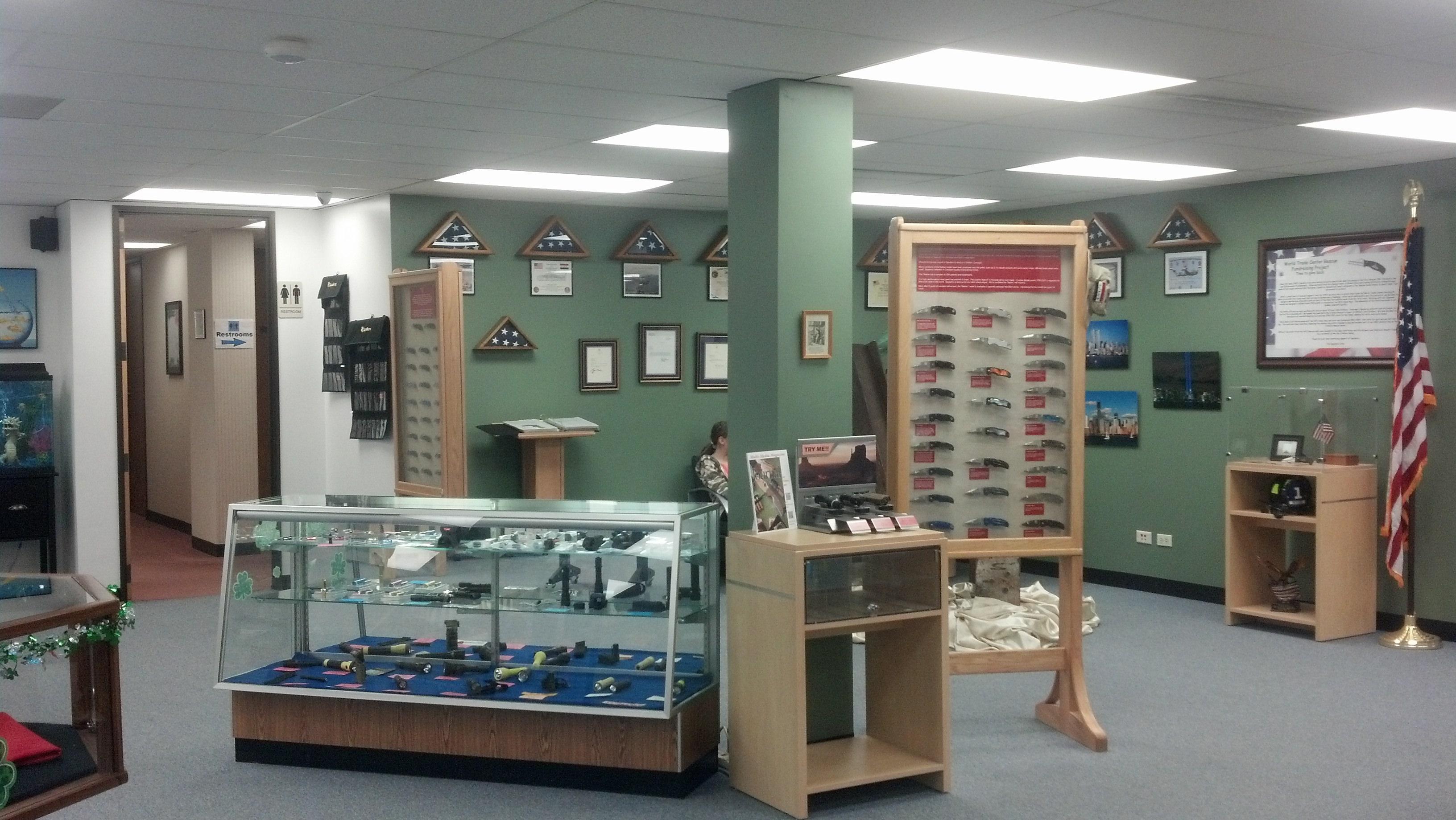 Spyderco Outlet Store-img95201403159514172395830.jpg