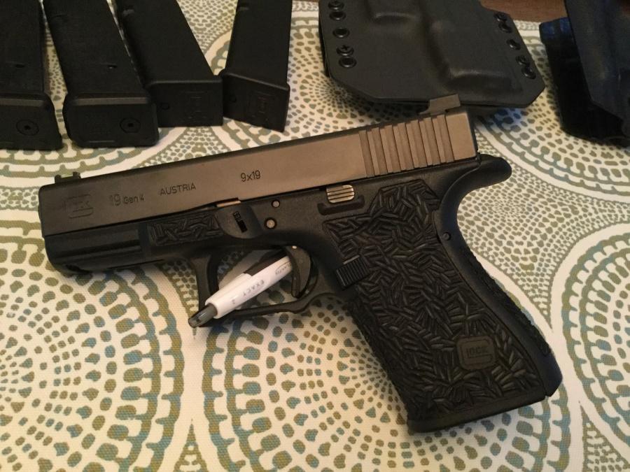 WTS/WTT: Gen 4 Glock 19 [FL]-img_0109.jpg