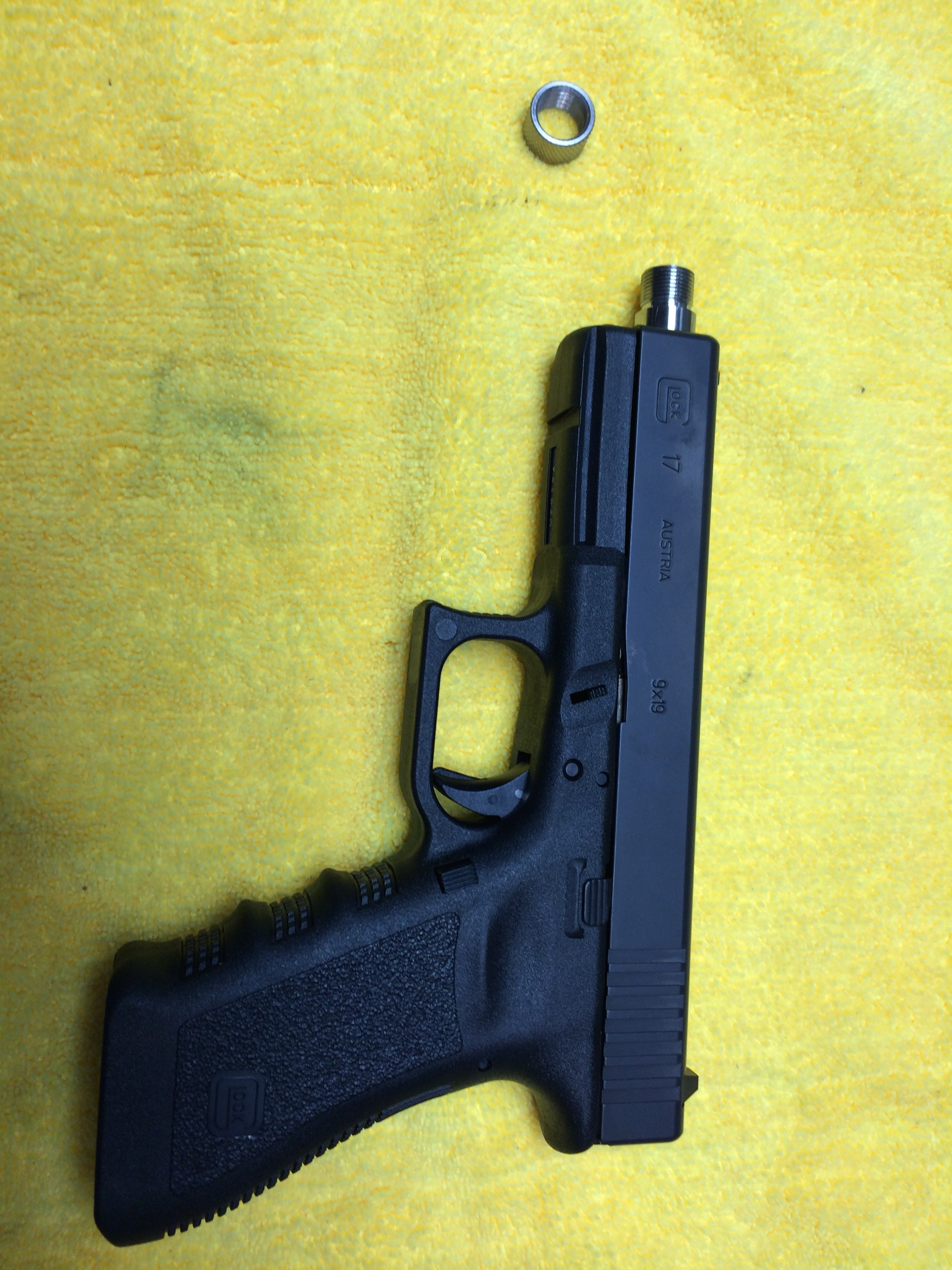 Glock 17, Lone Wolf barrel and raised sights-img_0259.jpg