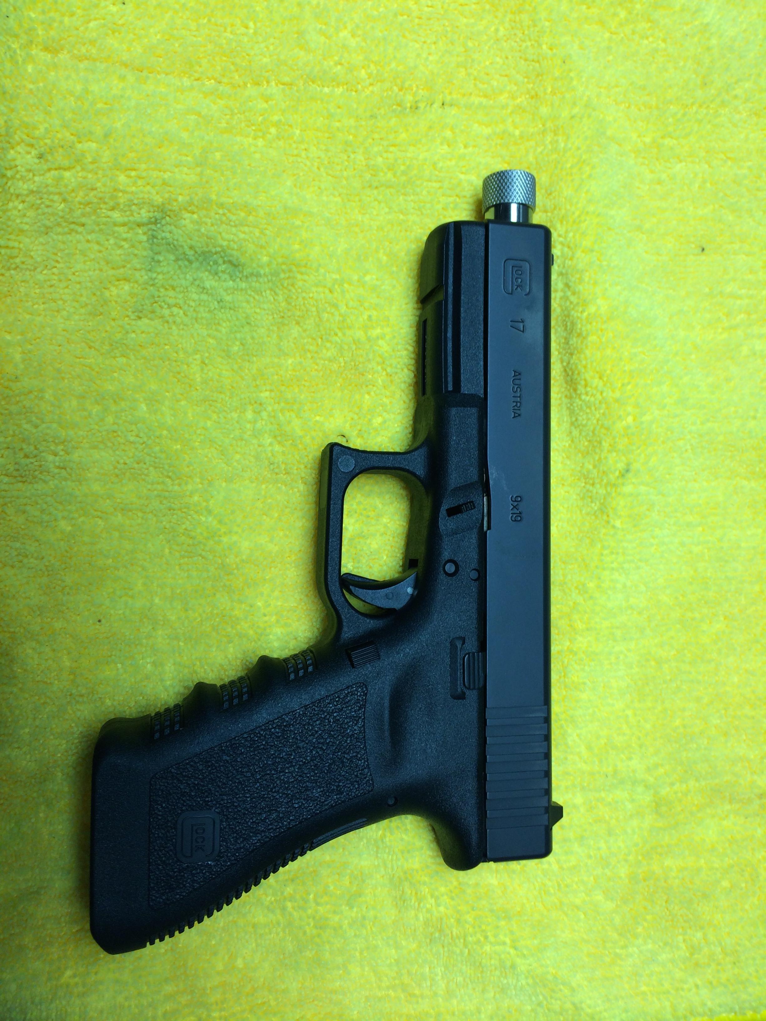 Glock 17, Lone Wolf barrel and raised sights-img_0261.jpg