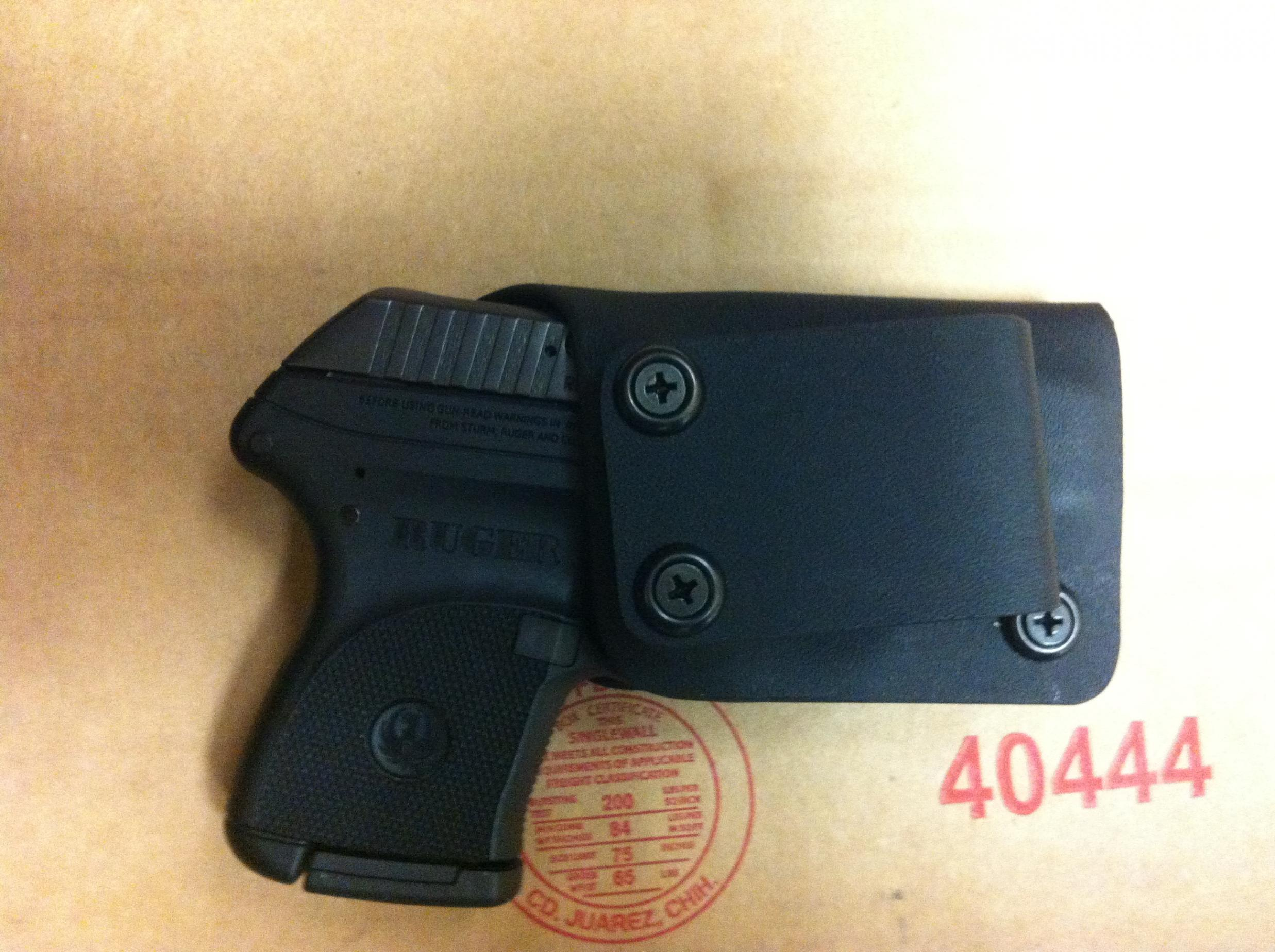 New holster arrived. Am I being too picky?-img_0430-1-.jpg