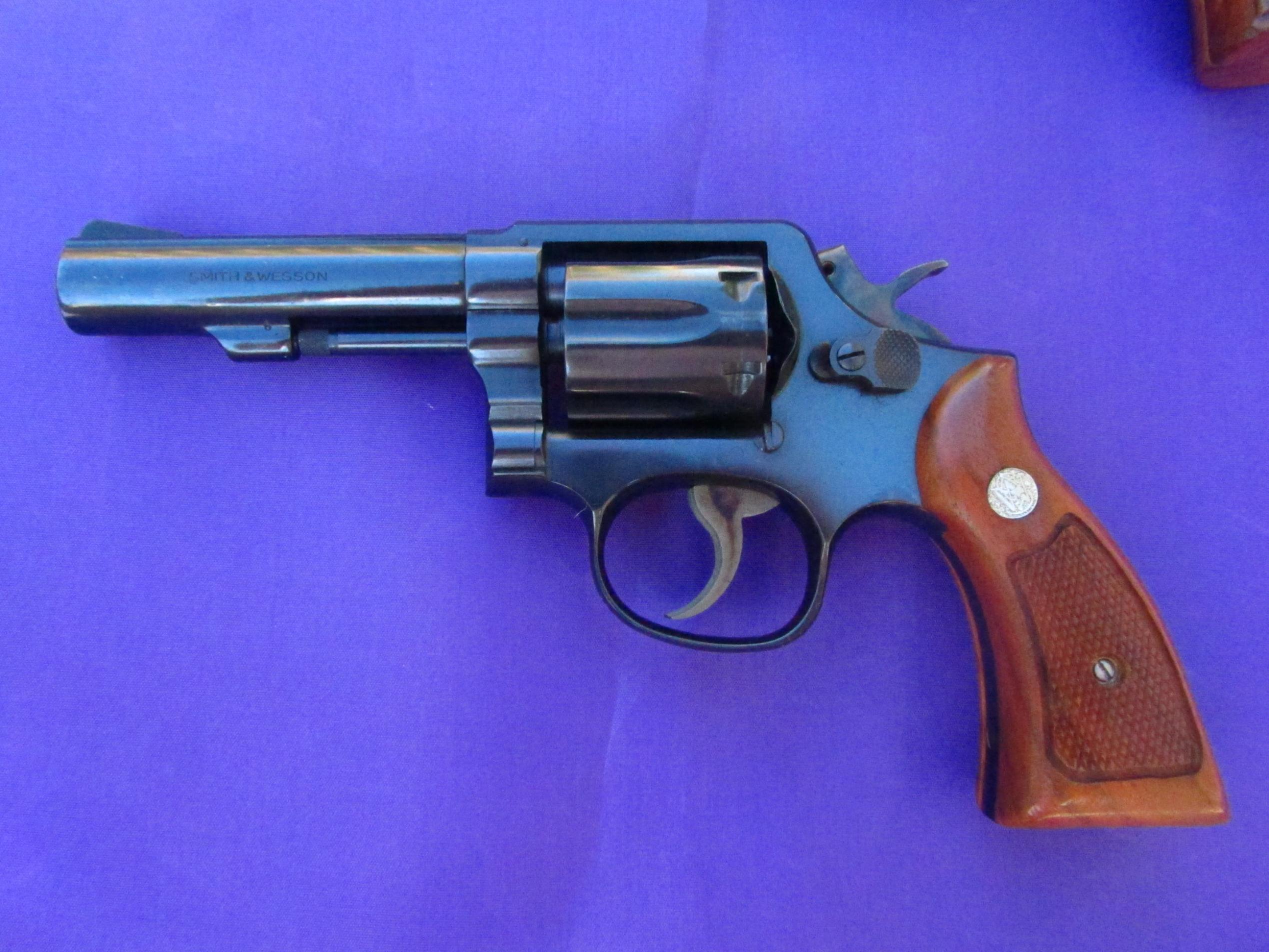 A Colt and a Smith-img_0537.jpg