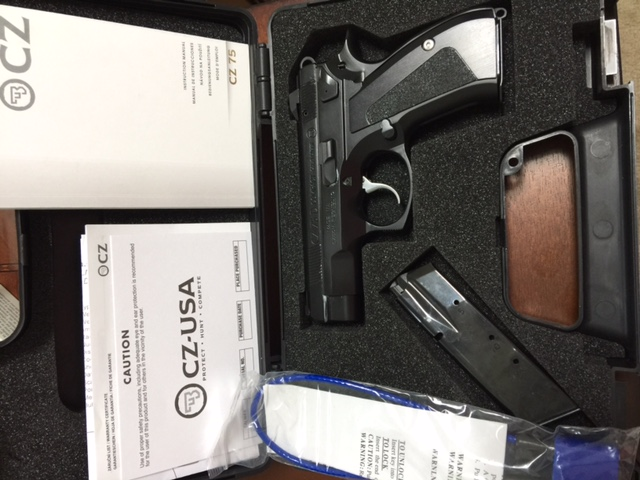 CZ-75 D PCR with new grips - Page 2