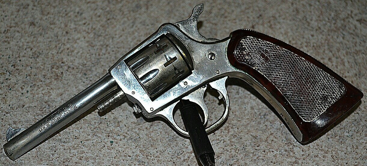 So I saw my first inherently unsafe pistol today-img_20120311_211502-1.jpg