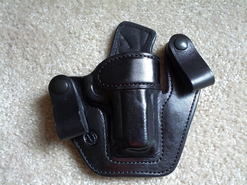 WTS Milt Sparks VMII 3 inch 1911 in Black Cowhide with 1.5 inch belt loops-img_20120529_130642.jpeg
