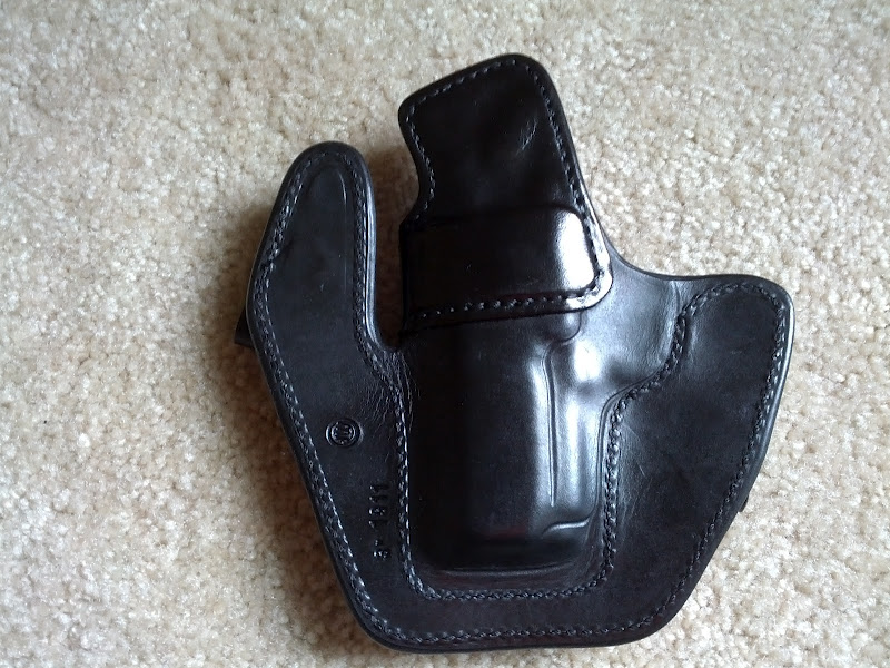 WTS Milt Sparks VMII 3 inch 1911 in Black Cowhide with 1.5 inch belt loops-img_20120529_130651.jpeg