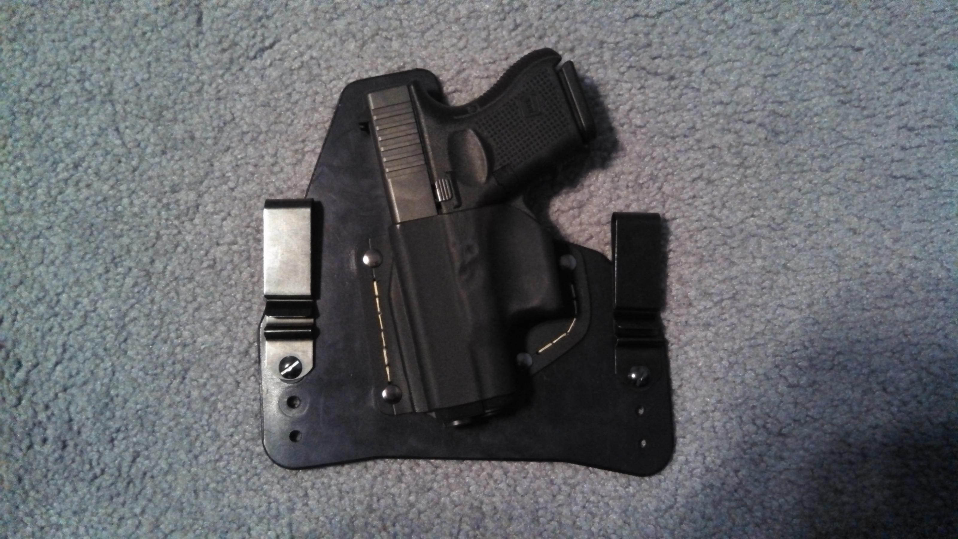 Anyone use Foxx Holster (Leather/Kydex-Small of the back holster)?-img_20121215_180016_336.jpg