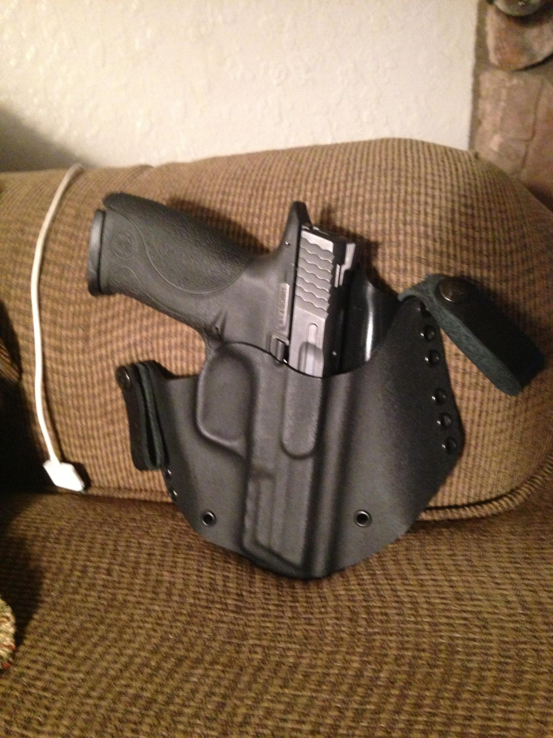 WTS  S&W M&P40 FS 5 OBO (Comes with Extras)-img_4180.jpg
