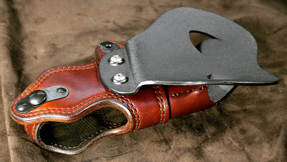 A question to custom holster makers-img_7409.jpg