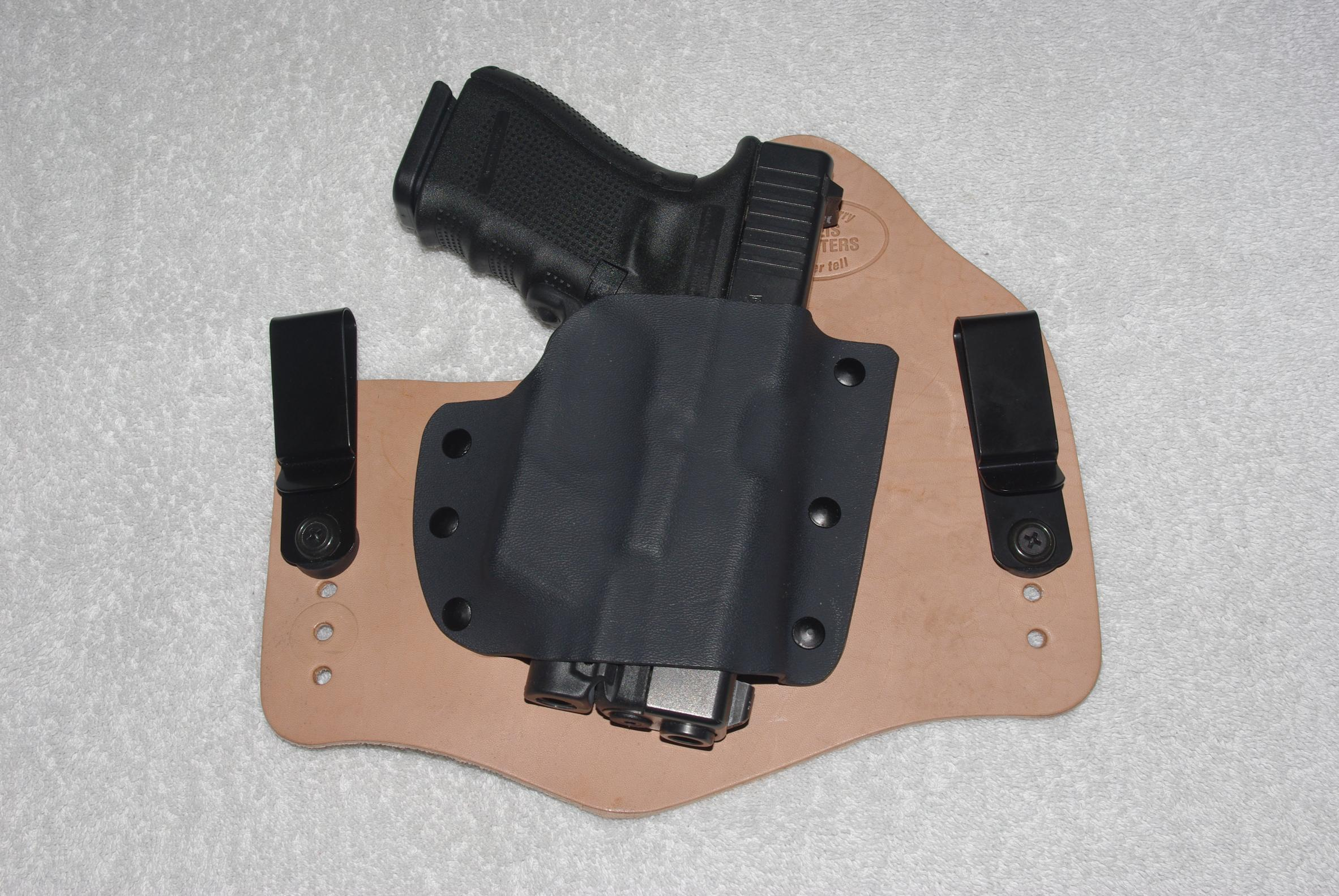 Just got my new Tommy Theis holster--imgp6488.jpg
