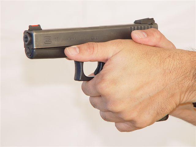 Evolution of Combat Pistol Technique-ka-glock-grip.jpg
