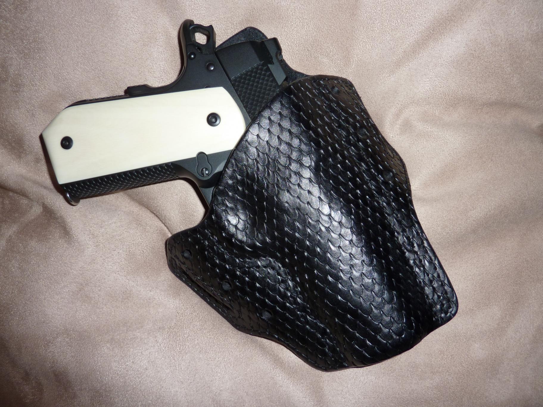 looking for snakeskin holster for Glock 19 (preferrably in black)-kclw.jpg