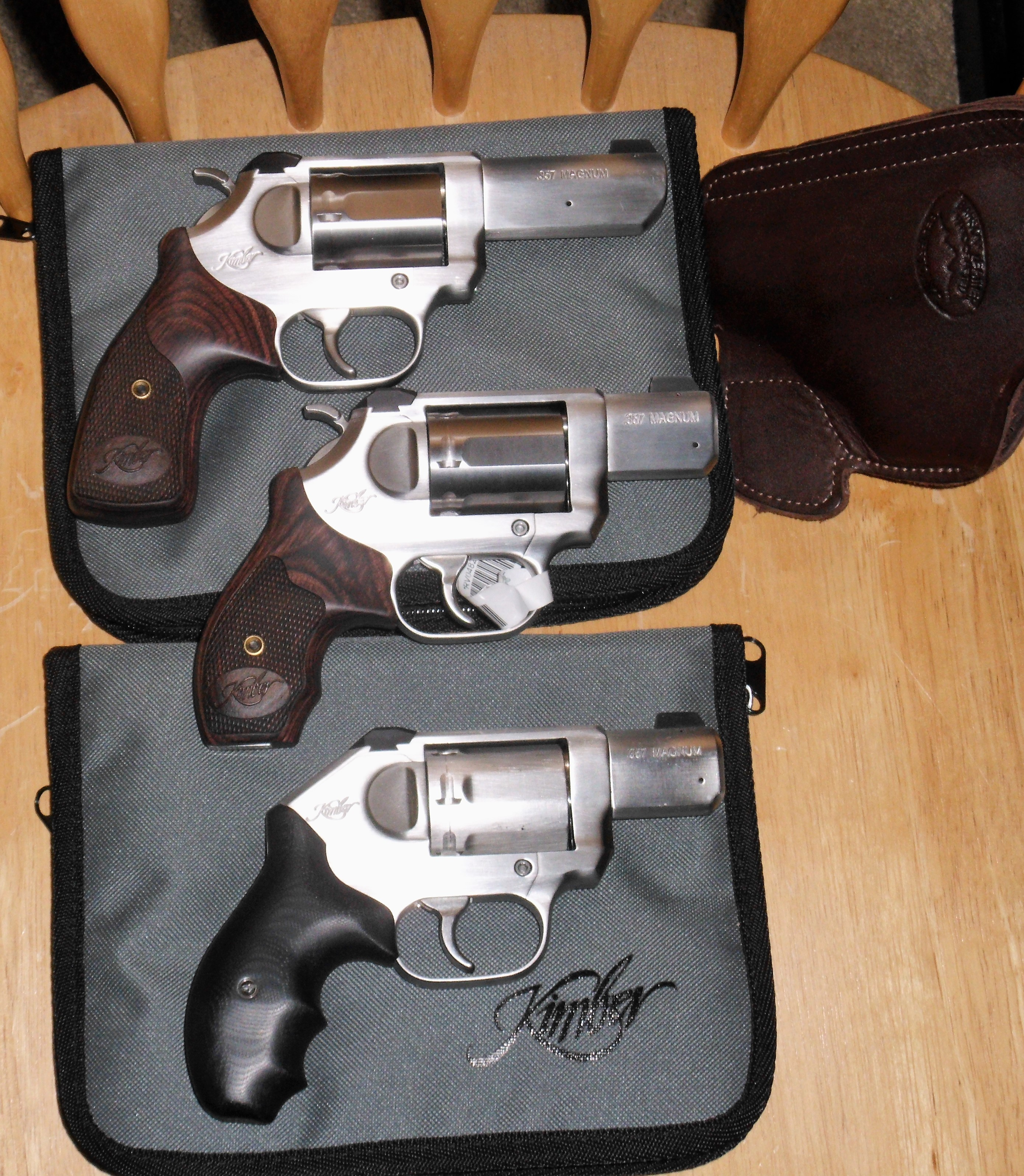 Since we are talking about snub nose revolvers,-kimbas.jpg