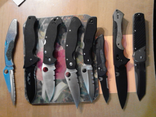 Spyderco Police G-10-knives.jpg