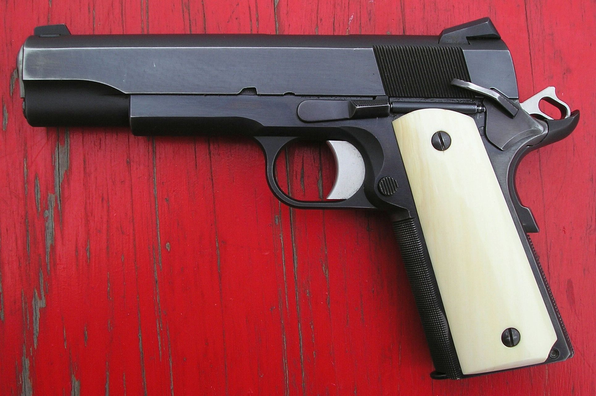 """The """"addiction"""" is STILL STRONG with this one! OK, """"Cough up"""" your 1911s !!-lb2370-1.jpg"""
