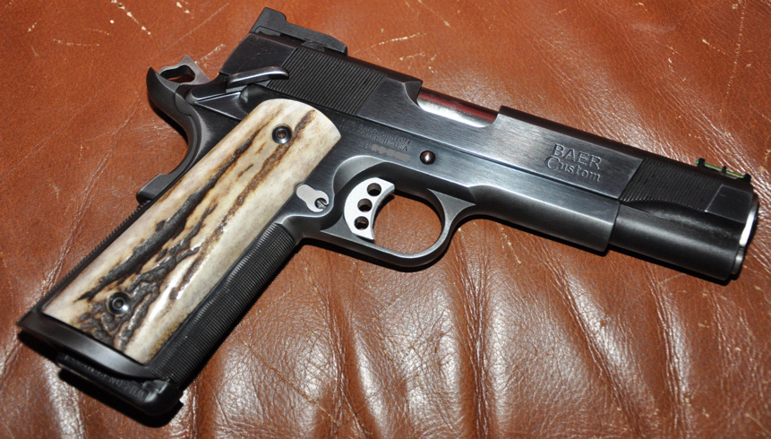Grips for a 1911-lesbaer.jpg