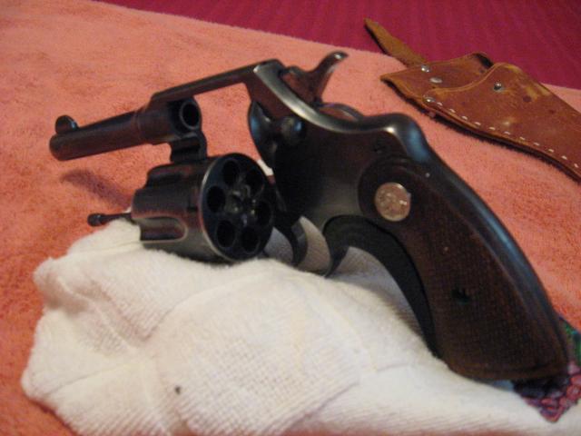 WTS: Colt officers model .38: WA-luis-grandma-029.jpg