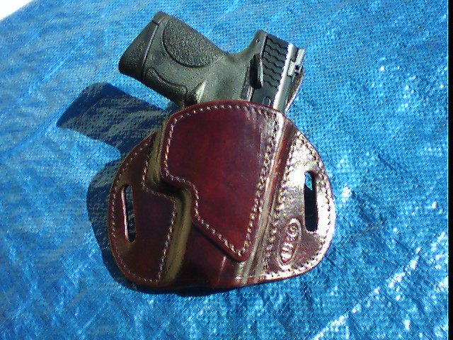 Holster For Ruger SP101-m-p-.40-compact-ubg-holster.jpeg