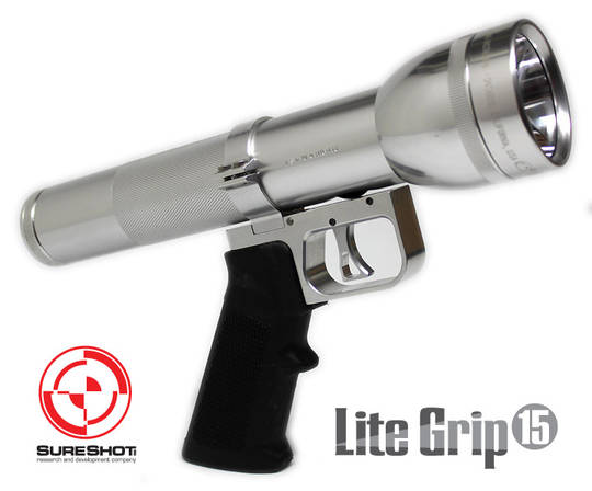 The most ridiculous thing I've seen all week. Ar15-grip MagLight-magbang.jpg